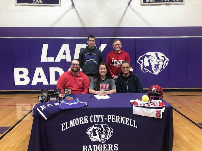Sr. Hayley Lindsey Signs to Play Softball for MACU