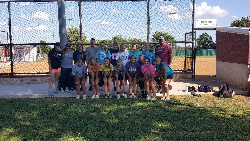Softball girls practice Wednesday before districts.